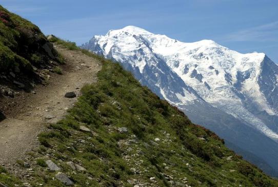 steep-mountain-path